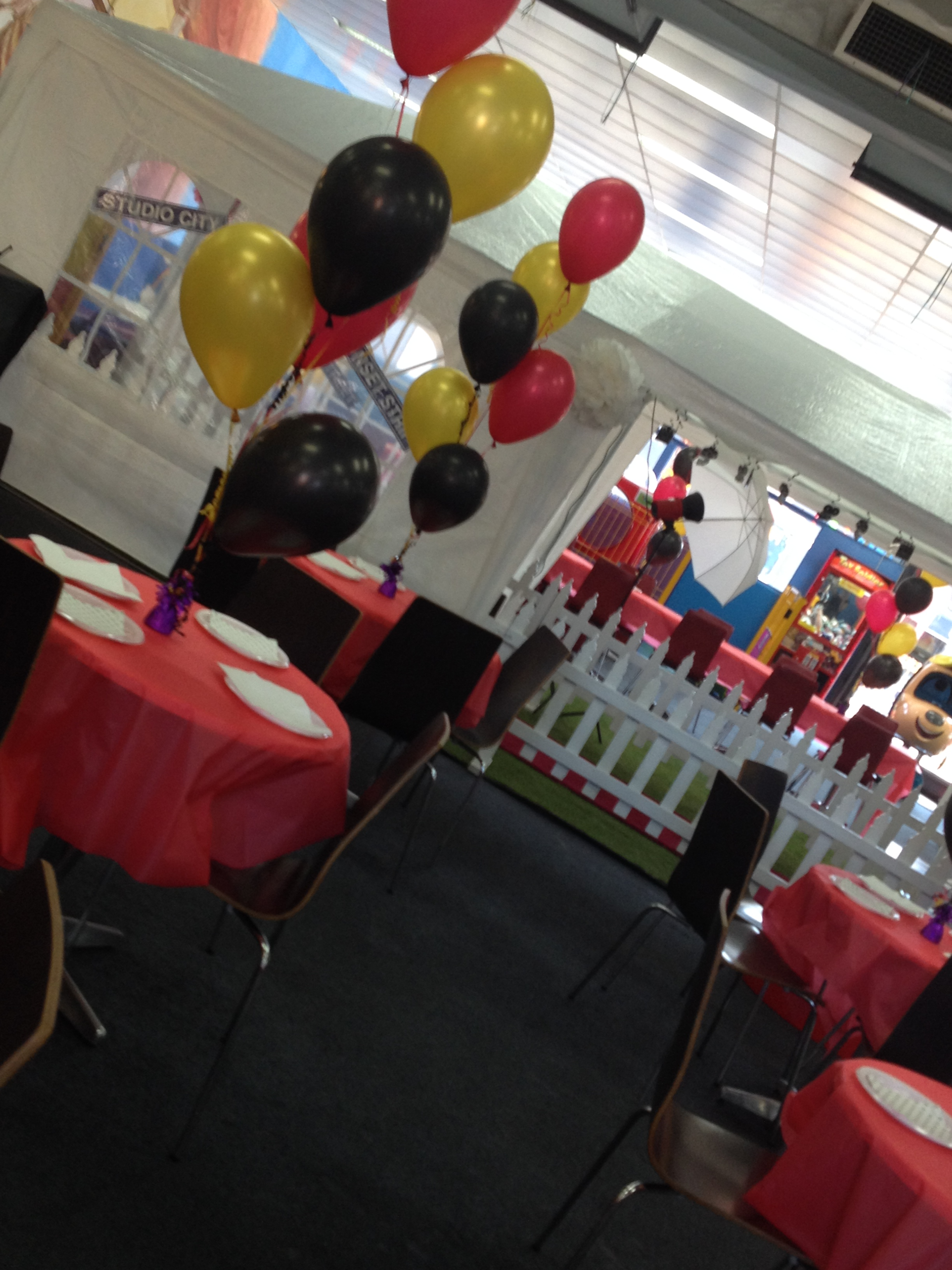 Hollywood Party Balloons