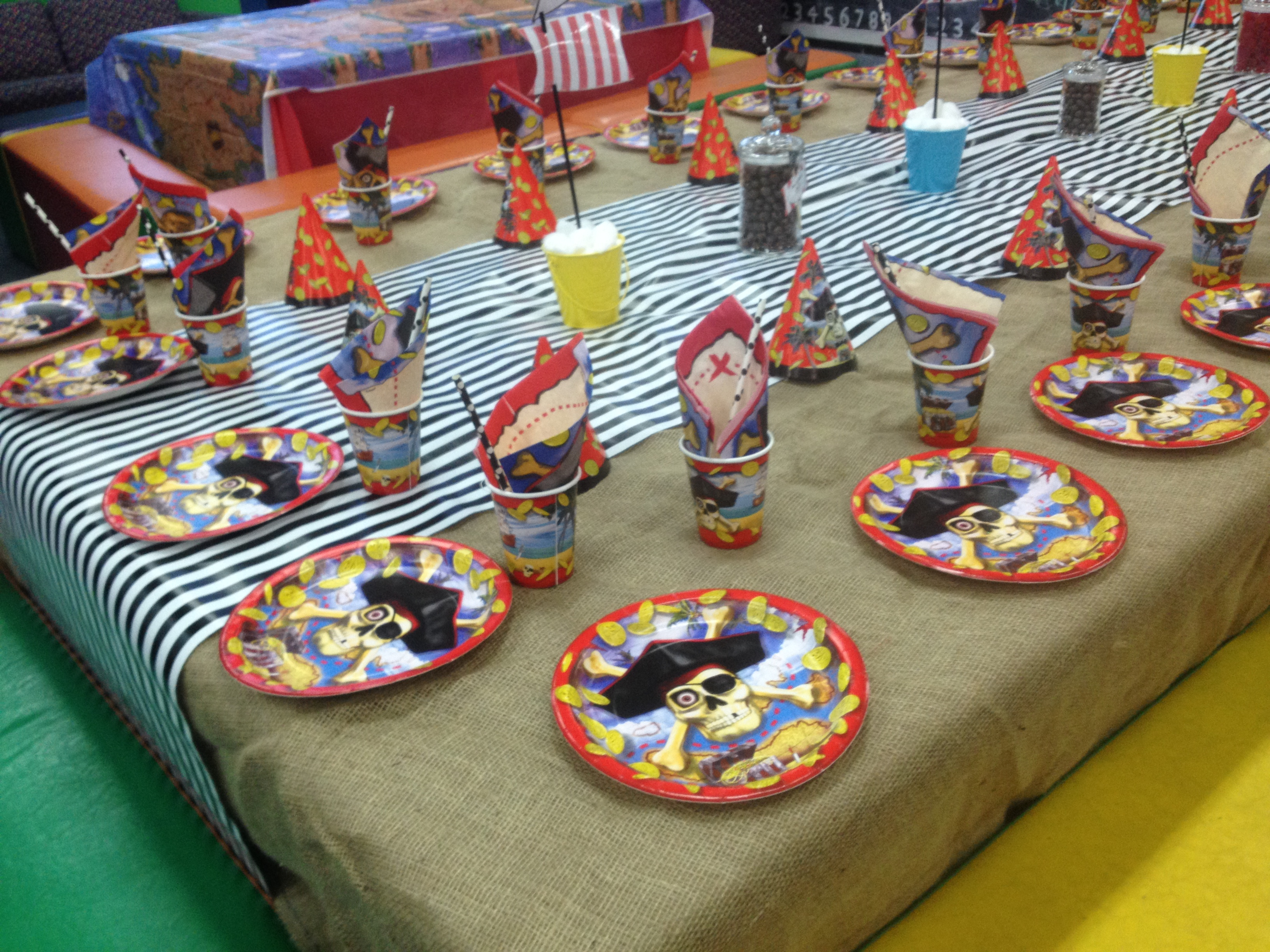 Pirate Party Table setting