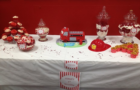 A shot of the cake & yummy treats!